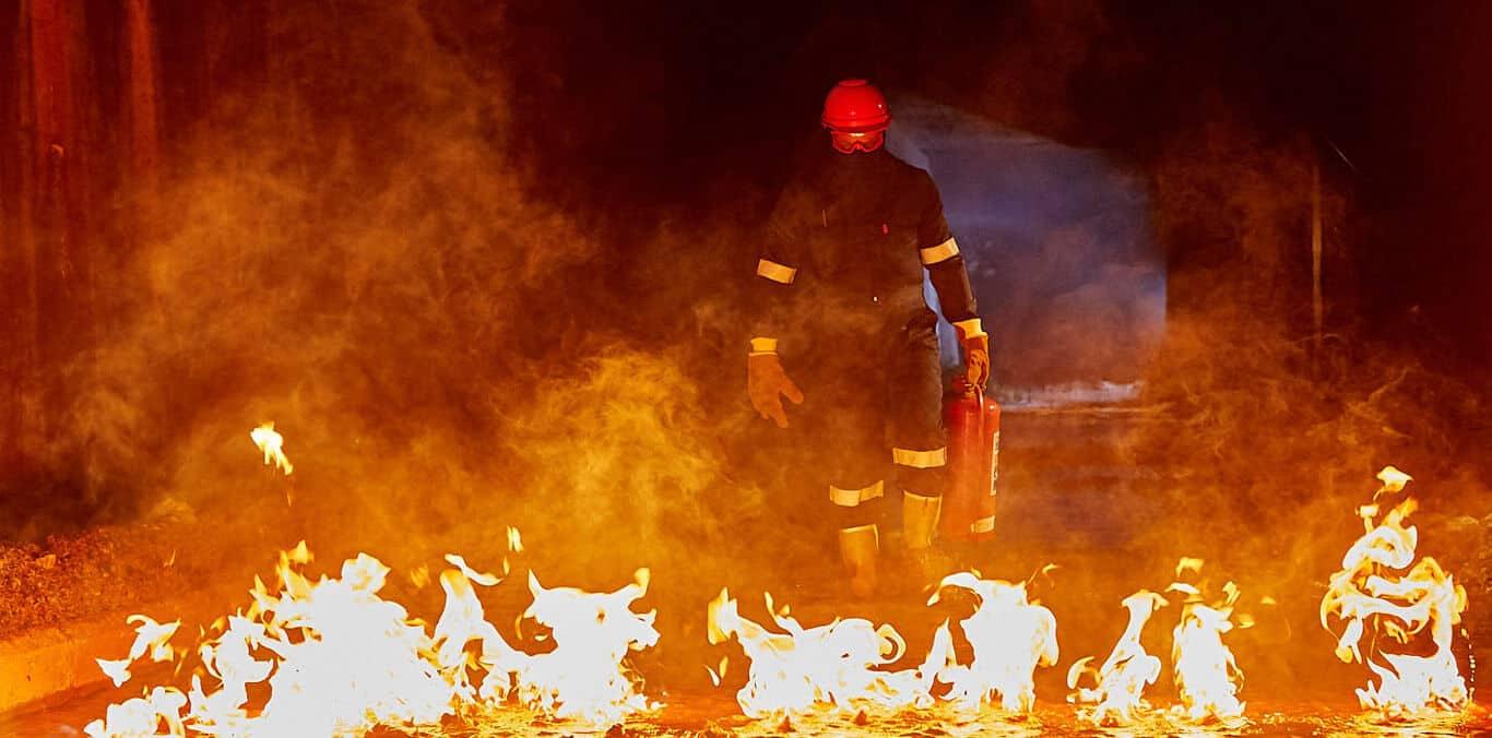 Dromex PPE - Know Safety  No Injury  Know Dromex